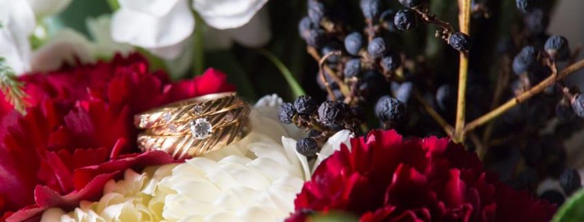 Bar Lurcat, Saint Paul Courthouse, winter flowers, red flowers, burgundy flowers, winter wedding, winter bouquet, Minneapolis wedding florist, Minnesota wedding florist, Artemisia Studios