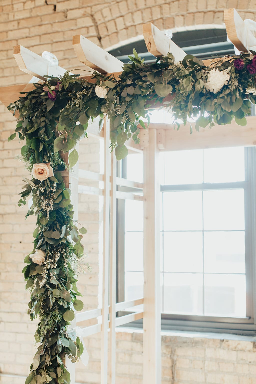 Solar Arts Building, fall flowers, winter flowers, indoor wedding, Minneapolis wedding, wedding flowers, wedding floral, Artemisia Studios, Minneapolis wedding florist, Minnesota wedding florist, floral decor