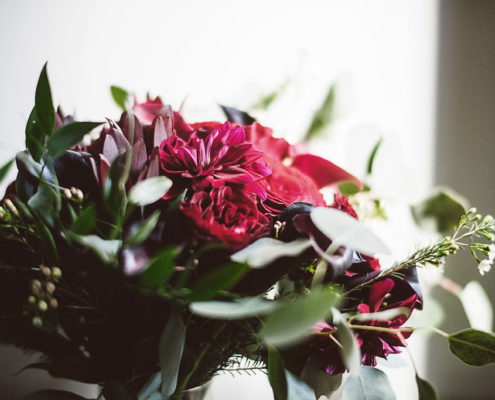 Aria wedding, winter wedding, winter flowers, winter floral, winter wedding flowers, indoor wedding, Minneapolis wedding florist, Artemisia Studios, Lucas Botz Photography