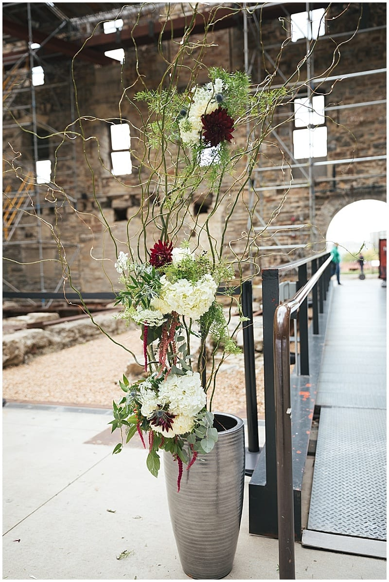 Exposed to Light Photography, Mill City Museum, fall wedding, burgundy wedding flowers, fall wedding flowers, winter wedding flowers, wedding inspiration, Minneapolis wedding venue, Minneapolis wedding florist, Minnesota wedding florist, Artemisia Studios