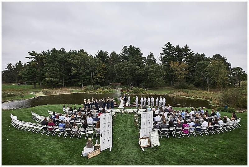 Coyland Creek, Joe Lemke Photography, outdoor wedding, rustic wedding, wedding flowers, wedding floral, summer wedding, Minneapolis wedding florist, Minnesota wedding florist, Artemisia Studios