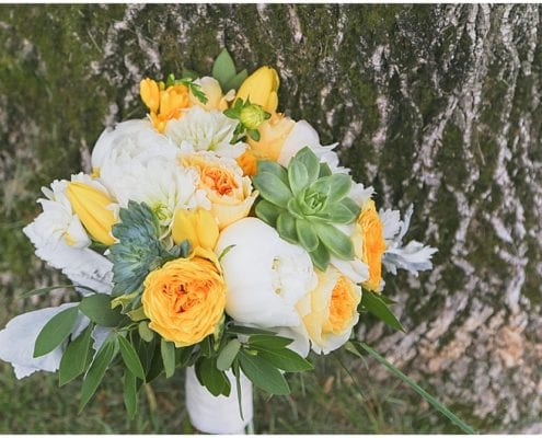 Ramada Plaza Minneapolis, McKenna Marie Photo, flowers, floral, spring wedding, spring flowers, spring wedding floral, bridal bouquet, bouquet, spring bouquet