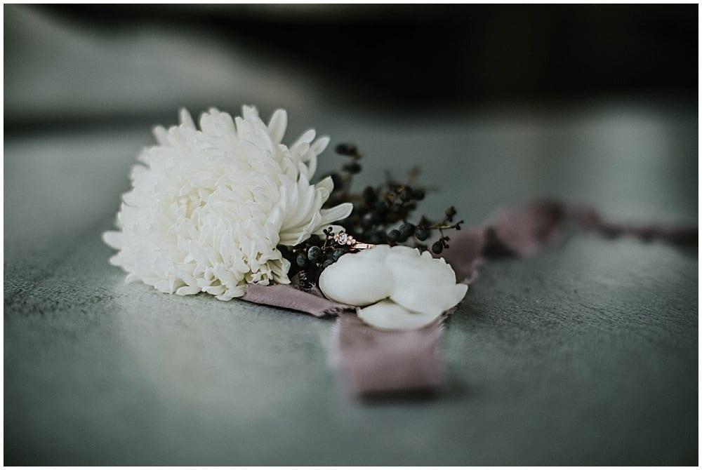 Studio 29 Photography, Enchanted Barn, winter wedding, winter flowers, winter wedding floral, winter floral, wedding inspiration, Artemisia Studios, Minneapolis wedding florist, winter florals, winter wedding inspiration