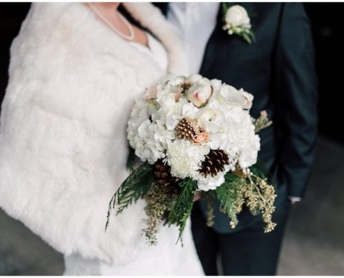 The Wedding Collective, winter wedding, wedding, Minnesota wedding, bridal bouquet, bride, winter bride, bridal look, bridal stle