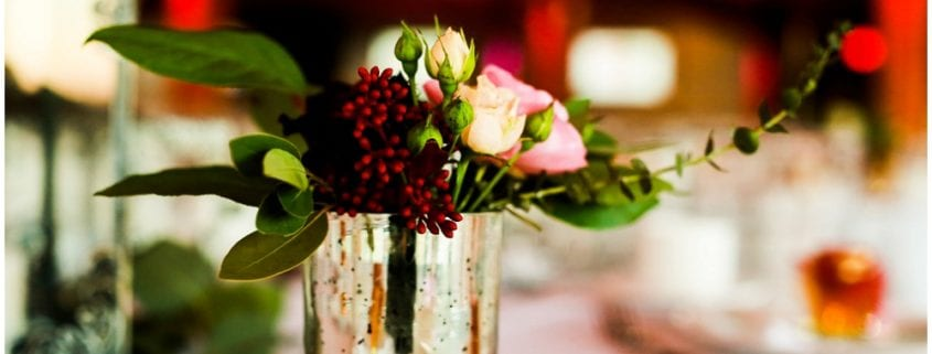 Hannah Schmitt Photography, A'BULAE, Saint Paul wedding, Minnesota wedding, burgundy wedding, winter wedding, Minnesota winter wedding, winter floral, winter wedding decor, Artemisia Studios, Minneapolis wedding florist, centerpieces, floral centerpieces
