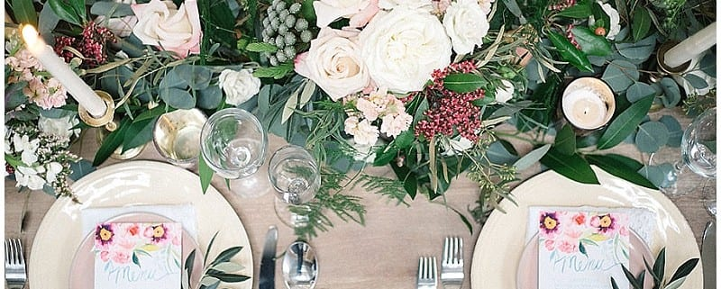 Whims and Joy, wedding, table, head table, plates, plate setting, flowers, floral, wedding flowers